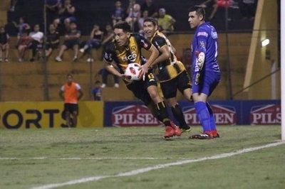 Nuevo escándalo: Cinco clubes paraguayos con irregularidades ~ Digital Misiones