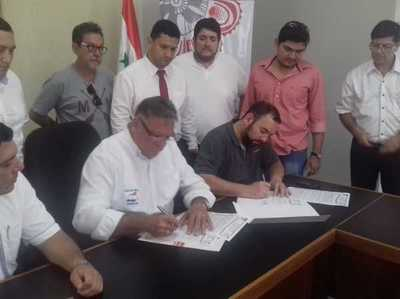 Firman convenio para el mejoramiento de la Plaza de los Héroes – Prensa 5