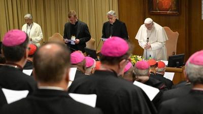 Papa inicia cumbre sobre abusos sexuales