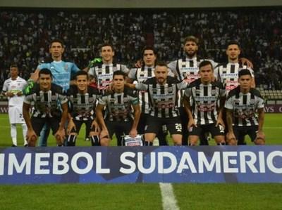 Santani gana y hace historia en la sudamericana