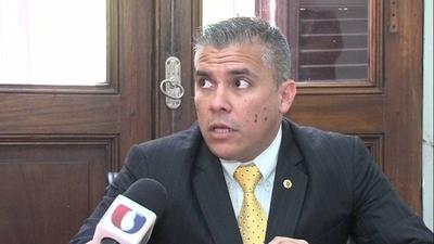 Oficialismo exalta la figura de acusado por narcotráfico