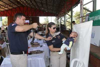 Acercan amplia gama de servicios estatales a pobladores de Yhú