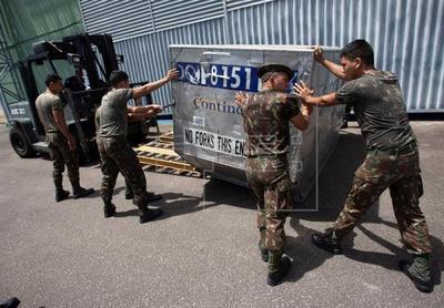 La primera camioneta con ayuda de Brasil llega a la frontera con Venezuela