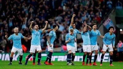 HOY / El City levanta la Copa de la Liga inglesa