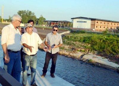 Prometen pavimentar los accesos a distritos del Sur