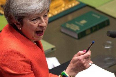 May logra apoyo del parlamento británico para nueva estrategia sobre Brexit