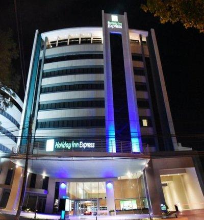 Abrió el Holiday Inn Express en Asunción