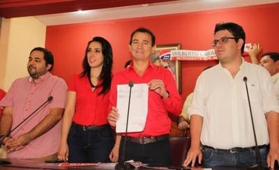 HOY / Añetete inscribe a su candidato para la Intendencia de CDE