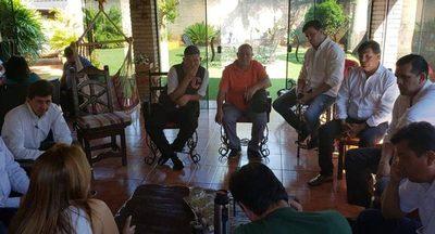 Nery Jara con Lilian González de Aguinagalde