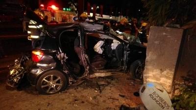 HOY / Conductor perdió el control y chocó contra una muralla en Mcal. López