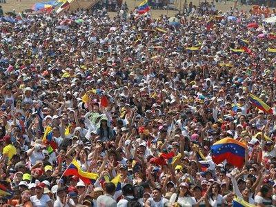 """China critica la """"interferencia externa"""" en Venezuela"""