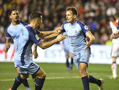 Stuani manda al fondo al Rayo Vallecano con un doblete en la victoria del Girona
