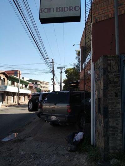 Veredas para vehículos asfalto para peatones