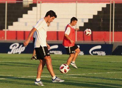 Con equipo alternativo Libertad espera por San Lorenzo