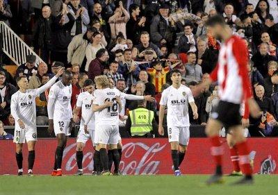 Valencia se reencuentra con la victoria