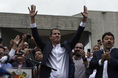 """EEUU afirma que no tolerará """"amenazas o violencia"""" contra Guaidó"""