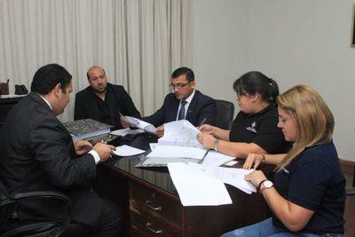 Incautan documentos contables de Gobernación de Ñeembucú