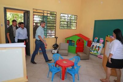 MEC amplía inversión en Escuela y Colegio de Carayaó