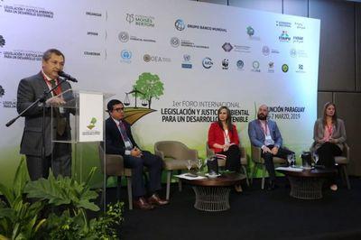 Autoridades judiciales asisten a foro sobre Justicia Ambiental