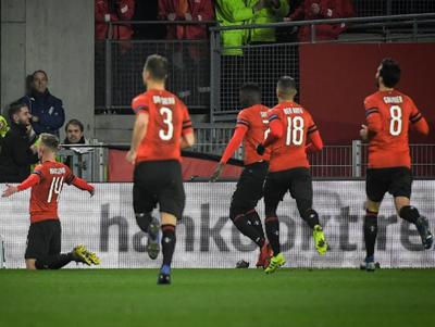 Stade Rennais gana y pone contra las cuerdas al Arsenal