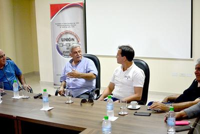 Wilberto Cabañas se reunió con los miembros de la Cámara de Comercio