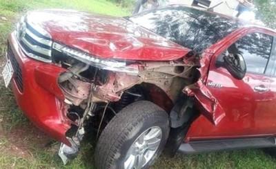 Motociclista muere tras ser embestida por camioneta