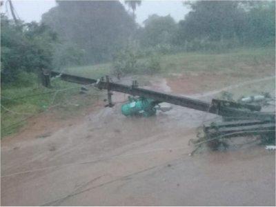 Vientos de 75Km/h causaron destrozos en Ñeembucú