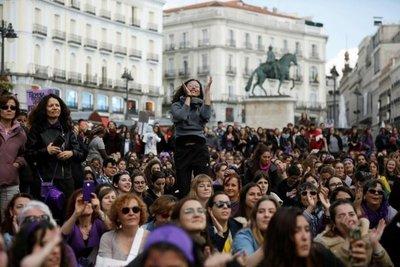 Mujeres de todo el mundo marchan en su día