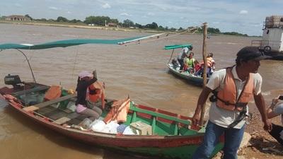Canoeros de Concepción dicen que no pueden bajar pasajes