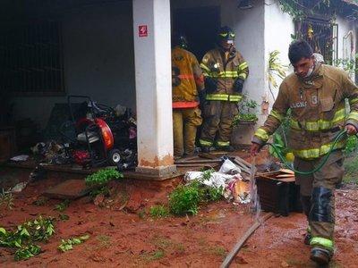 Modista pierde sus máquinas en incendio