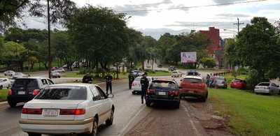 Agentes de la Policía Nacional y Patrulla Caminera actúan sin control en CDE