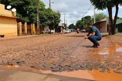 Diputado constata deplorable estado de la avenida Amambay