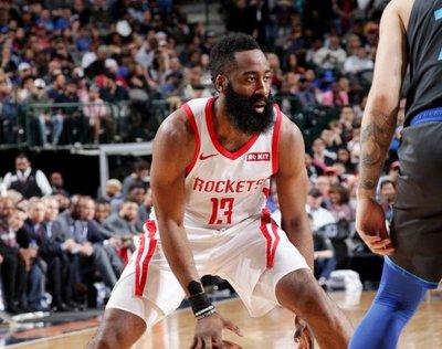 Rockets, Spurs y Raptors consolidan posiciones