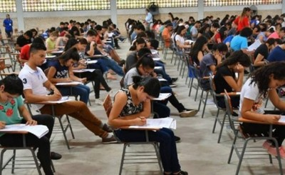 Excluyen a 55 beneficiados por becas de Itaipu ante denuncias