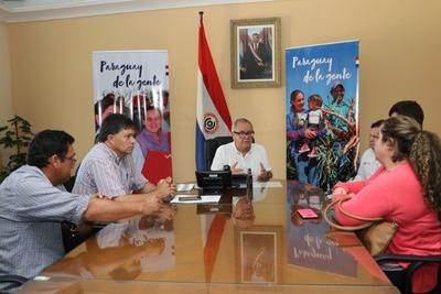 Atienden demanda de comunidades de Paraguarí y Caaguazú