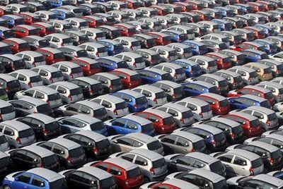 La importación de vehículos se mantiene en descenso