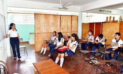 Siguen en aulas provisorias