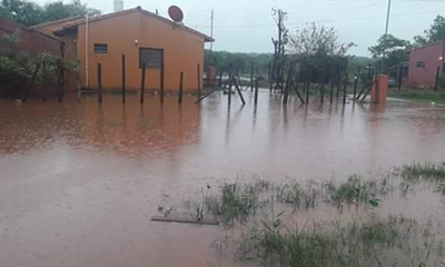 Barrios inundados en Coronel Oviedo – Prensa 5