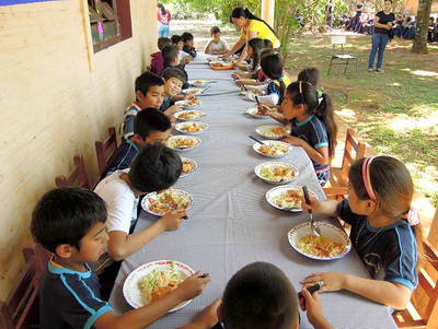 Godoy sigue sin hacer llamado a licitación para almuerzo escolar