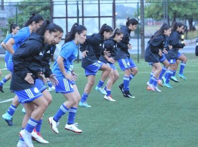 Selección femenina entrenó en el COP