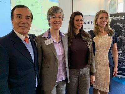 MIC realiza presentación país a empresarios de firmas francesas