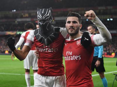 Arsenal dio vuelta la serie y ya está en cuartos de final