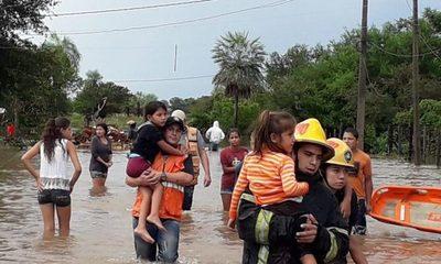 Asistencia en zonas afectadas por intensas lluvias