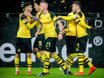 Reus da al Dortmund triunfo agónico que le devuelve el liderado provisional