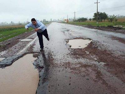 Baches de ruta Villarrica y Paraguarí causan burlas