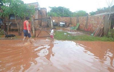 Más de 3.000 familias afectadas en todo el país por las intensas lluvias