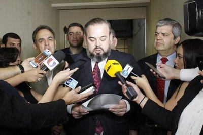 """""""Esta comisión lo que busca es hostigar al expresidente"""""""