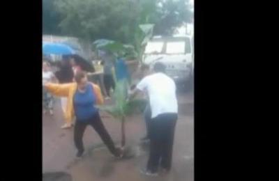 Vecinos de San Lorenzo se manifiestan por el mal estado de las calles