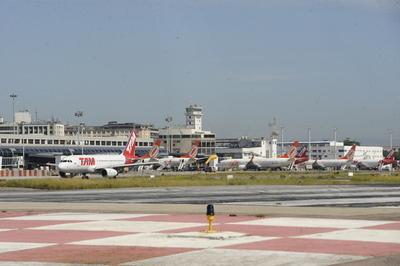 Brasil privatiza 12 aeropuertos por US$ 620 millones