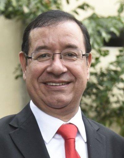 """Diputados: Cuevas asegura su """"preocupación"""" por funcionarios en """"minihospital"""""""